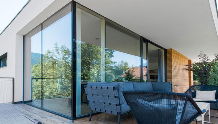 Gro�fl�chige Verglasungen, gro�e Fenster, Fensterdimensionen XL, XL-Fenster, nur Glas, Glasfenster, Nurglasecke, Glasecke